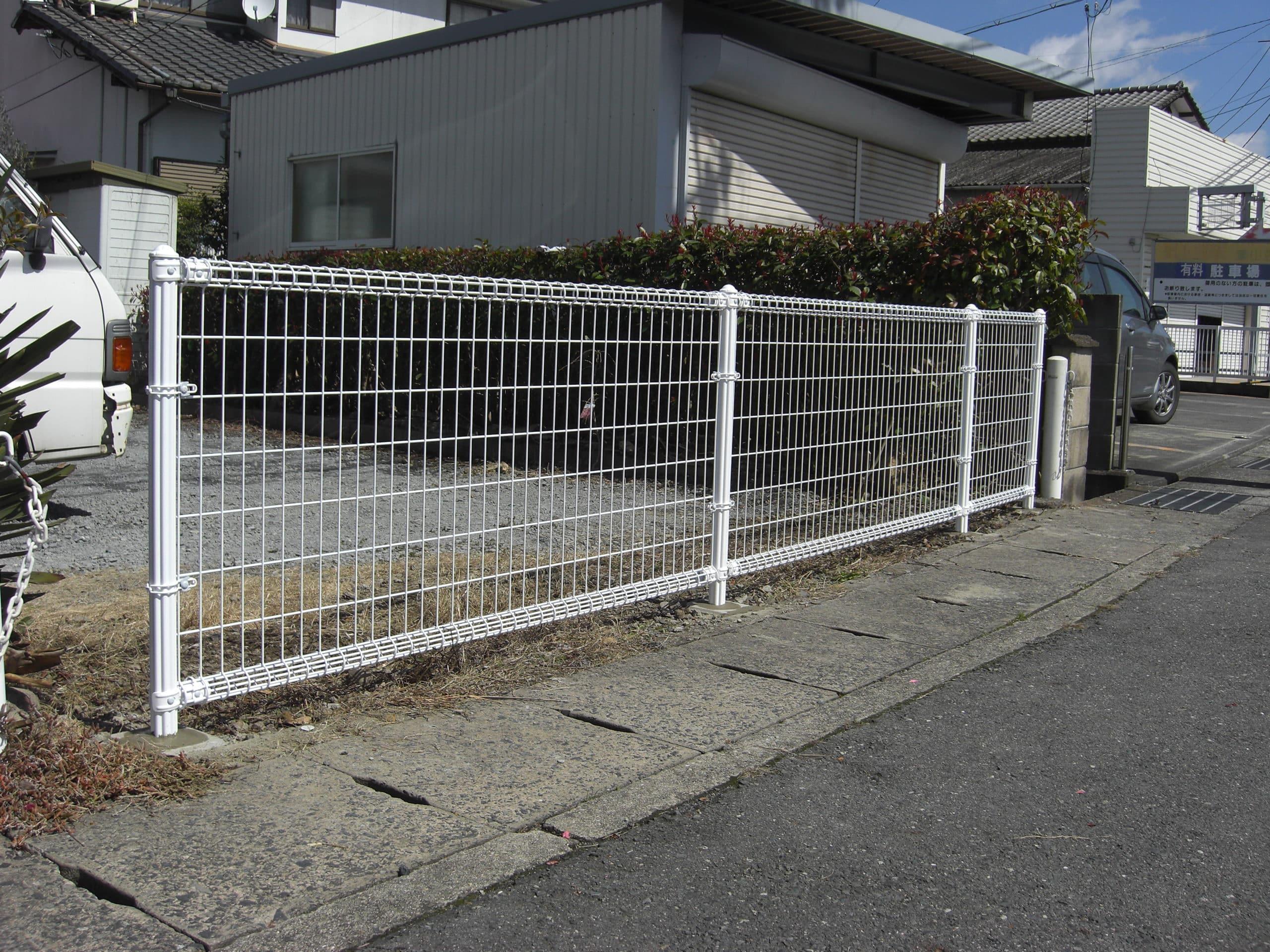 フェンスを設置しました