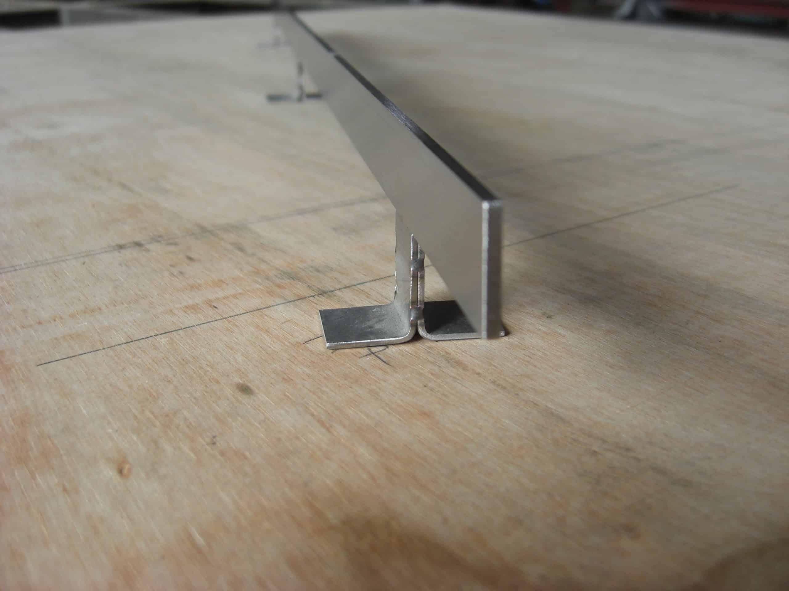 ステンレス製の沓摺を製作しました
