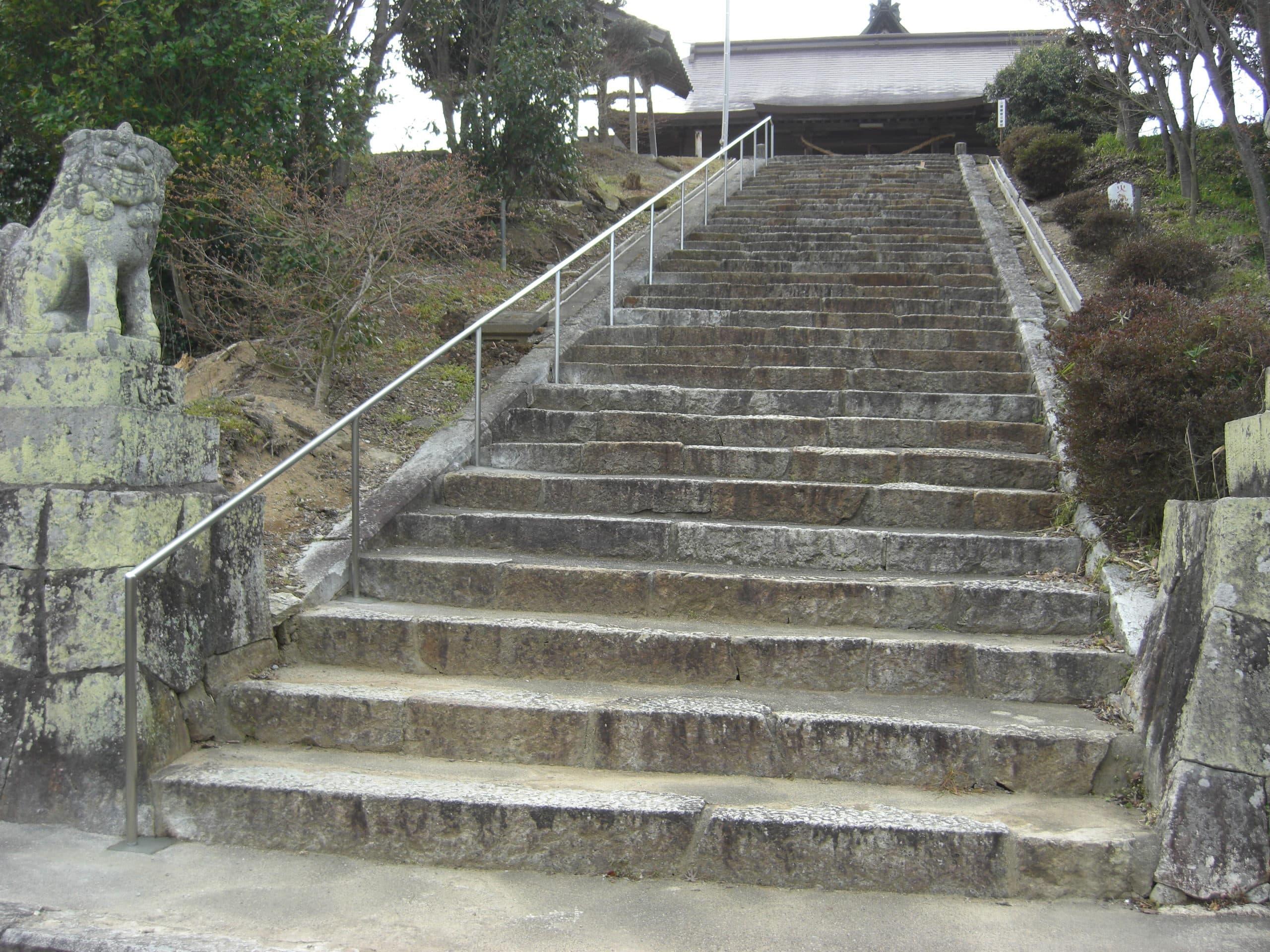 神社の階段手すりを製作施工しました