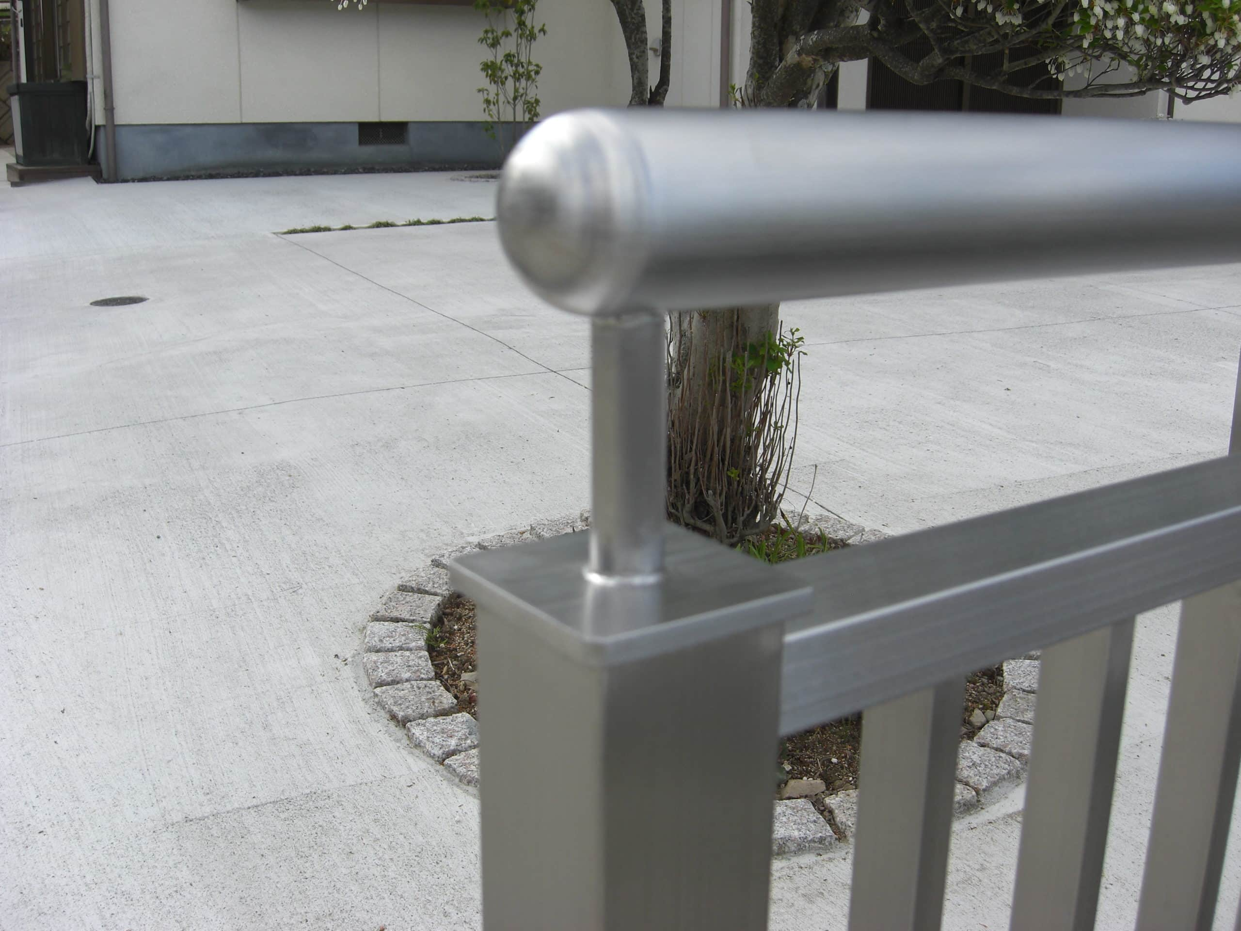 住宅の柵を製作施工しました