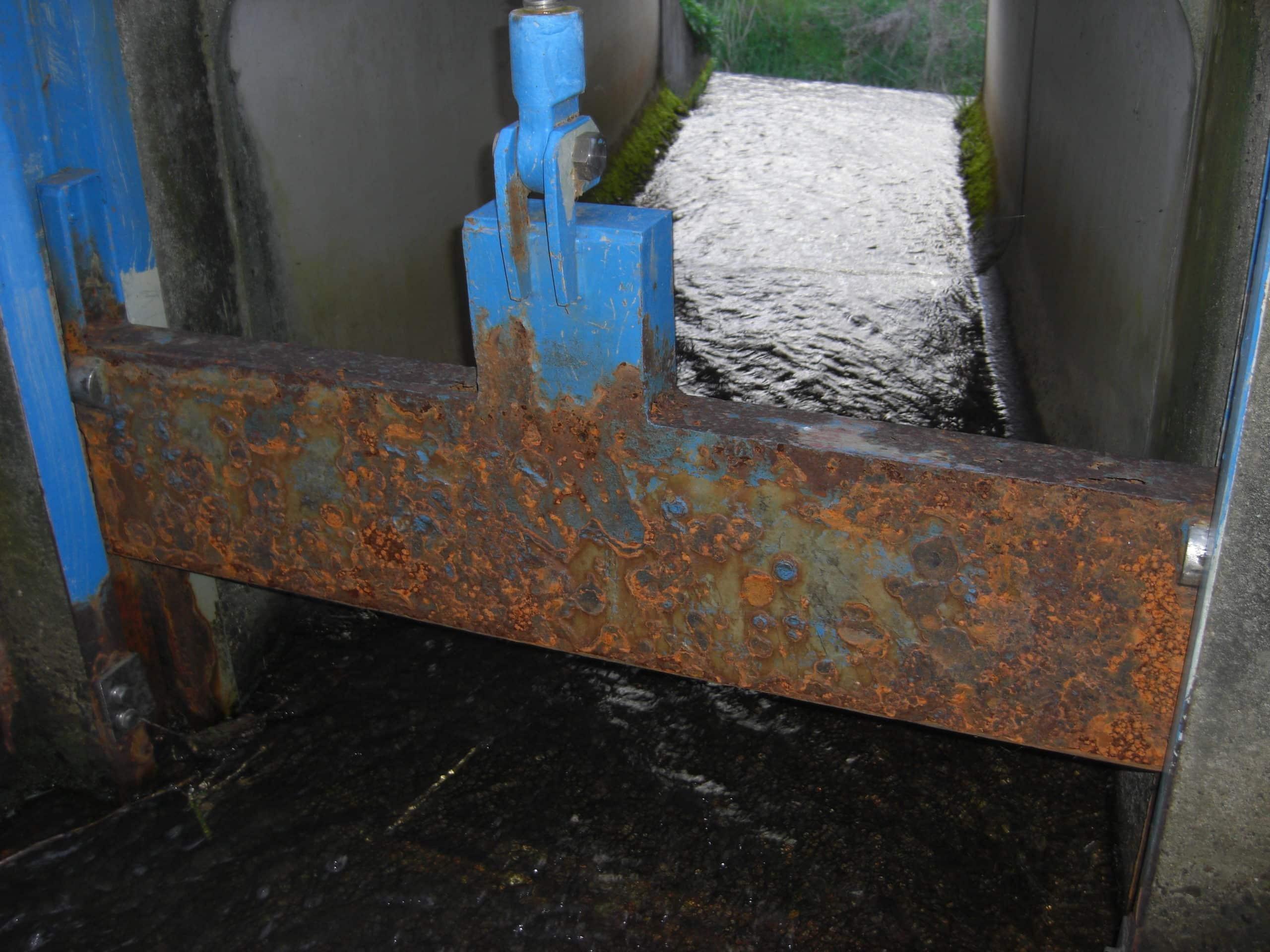 水路の堰板を製作しました