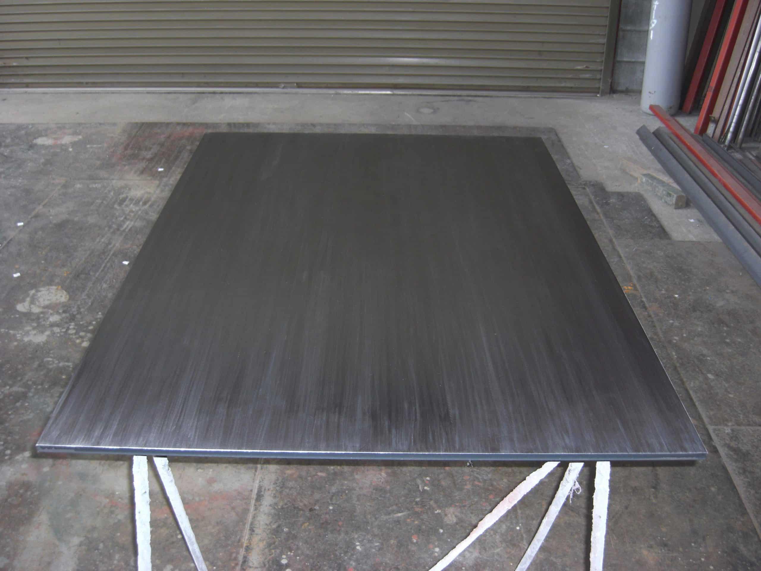 焼肉用の鉄板を製作しました
