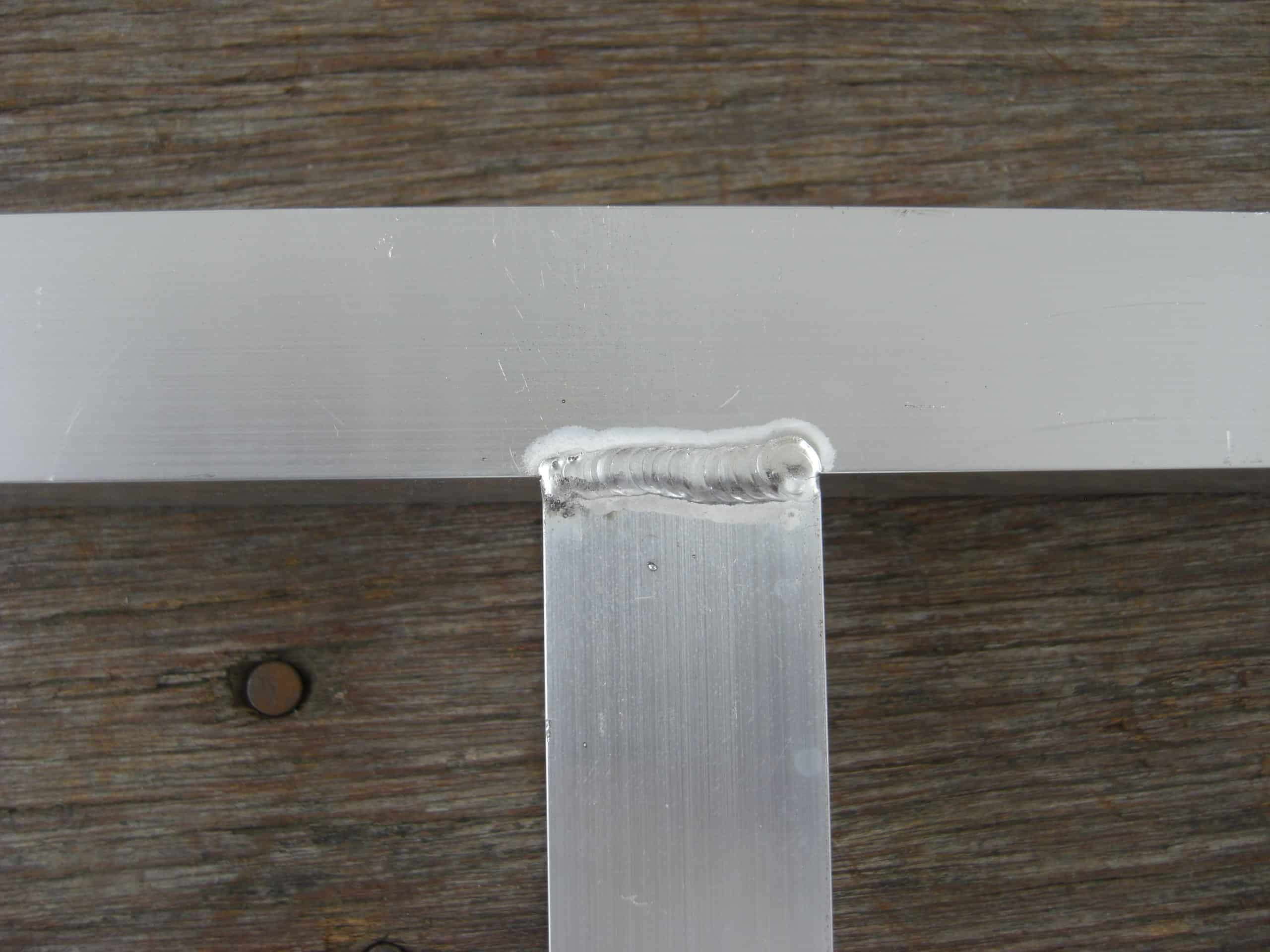 吊扉のフレームをアルミで製作しました