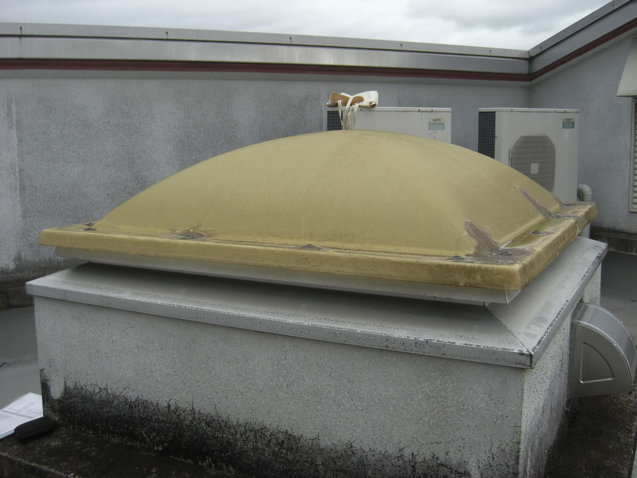 屋上のドームを交換しました