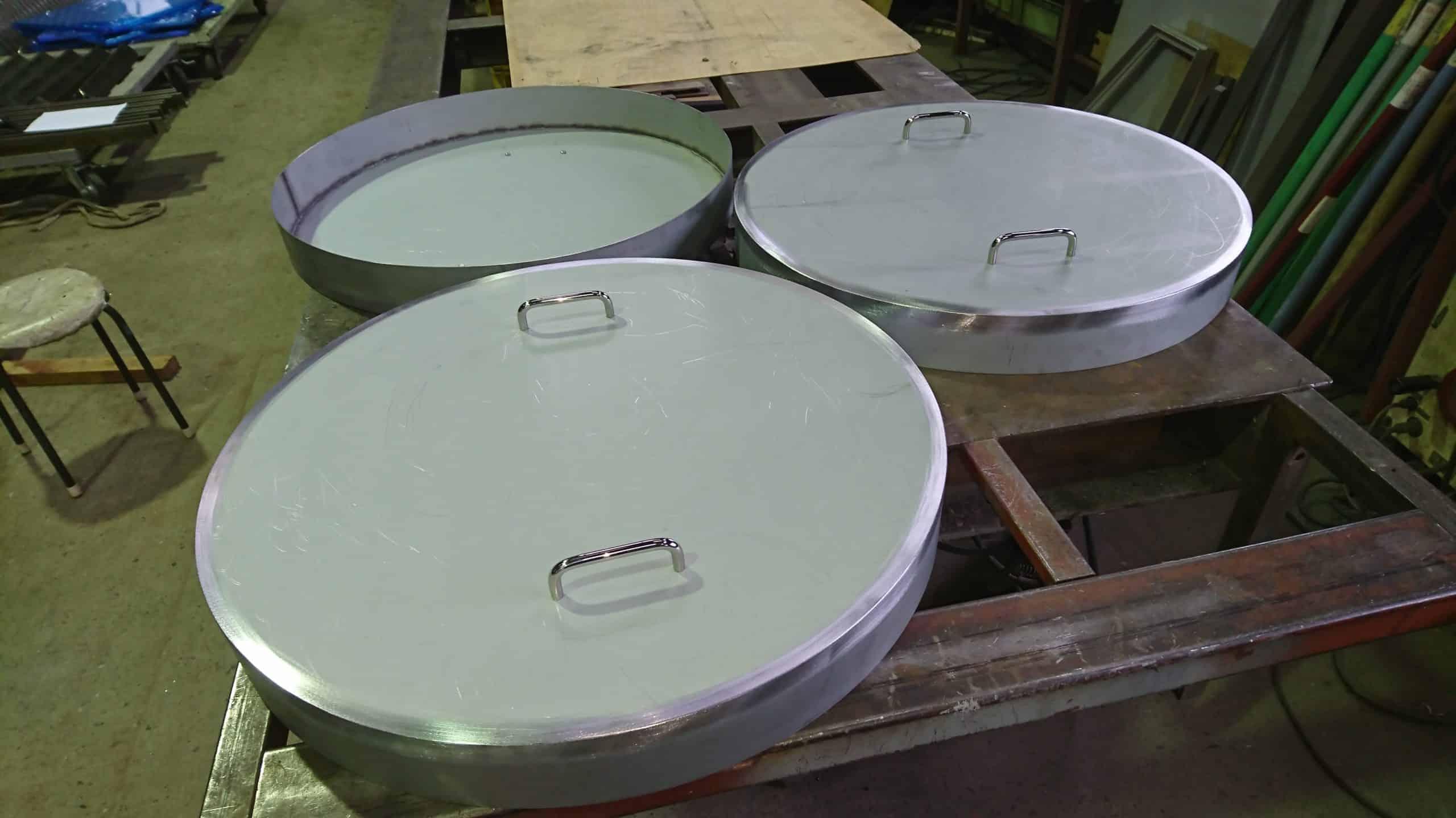 ドラム缶のフタを製作しました