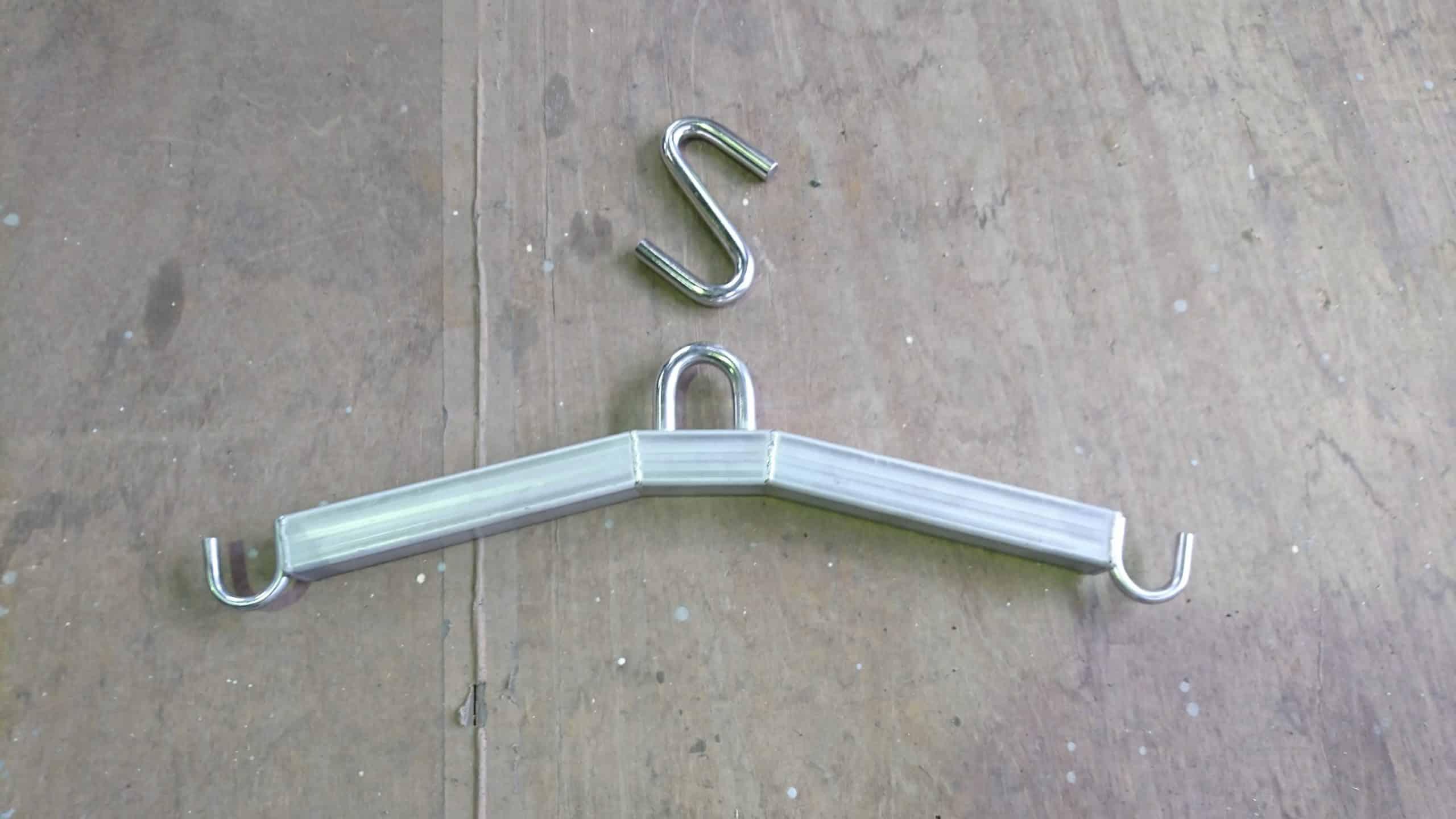 ジビエ用吊り金具を制作しました