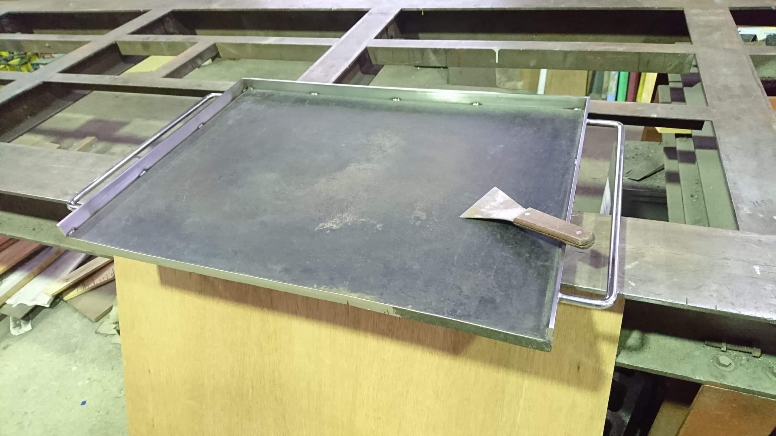 焼き物用鉄板を制作しました