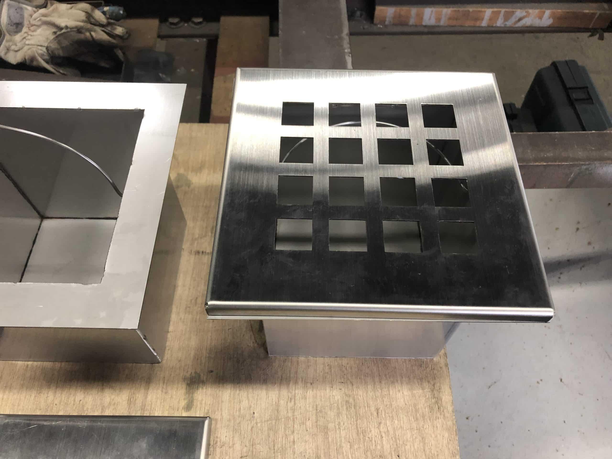 ステンレス製灰皿を製作しました
