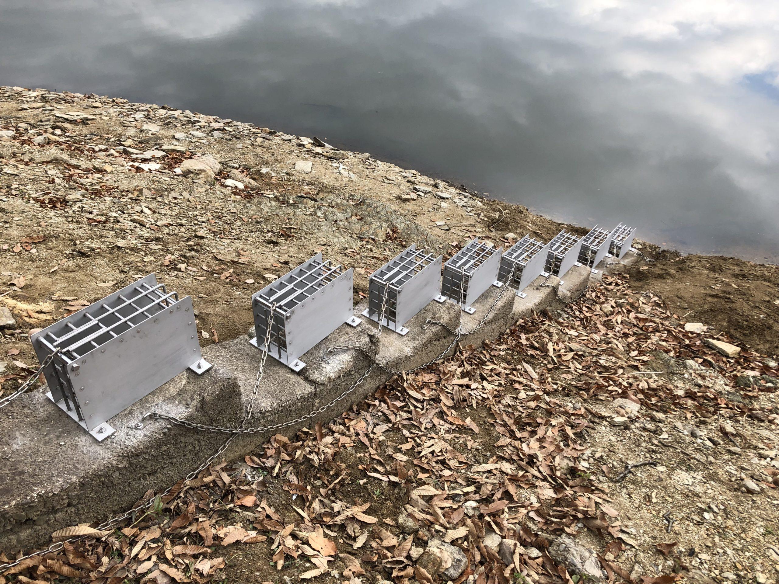 池の排出口カバーを製作施工しました