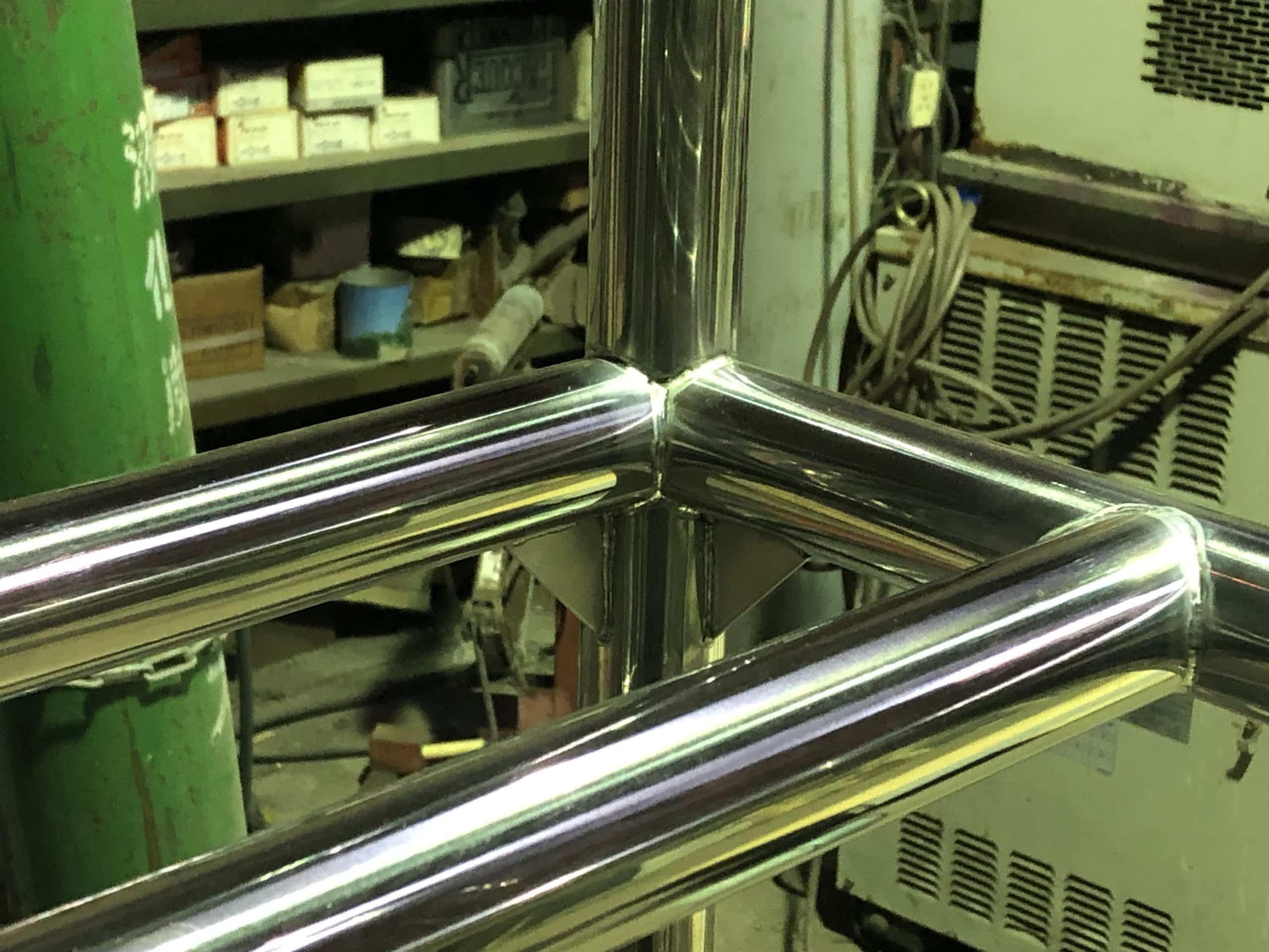 ステンレス製の重量棚を制作しました