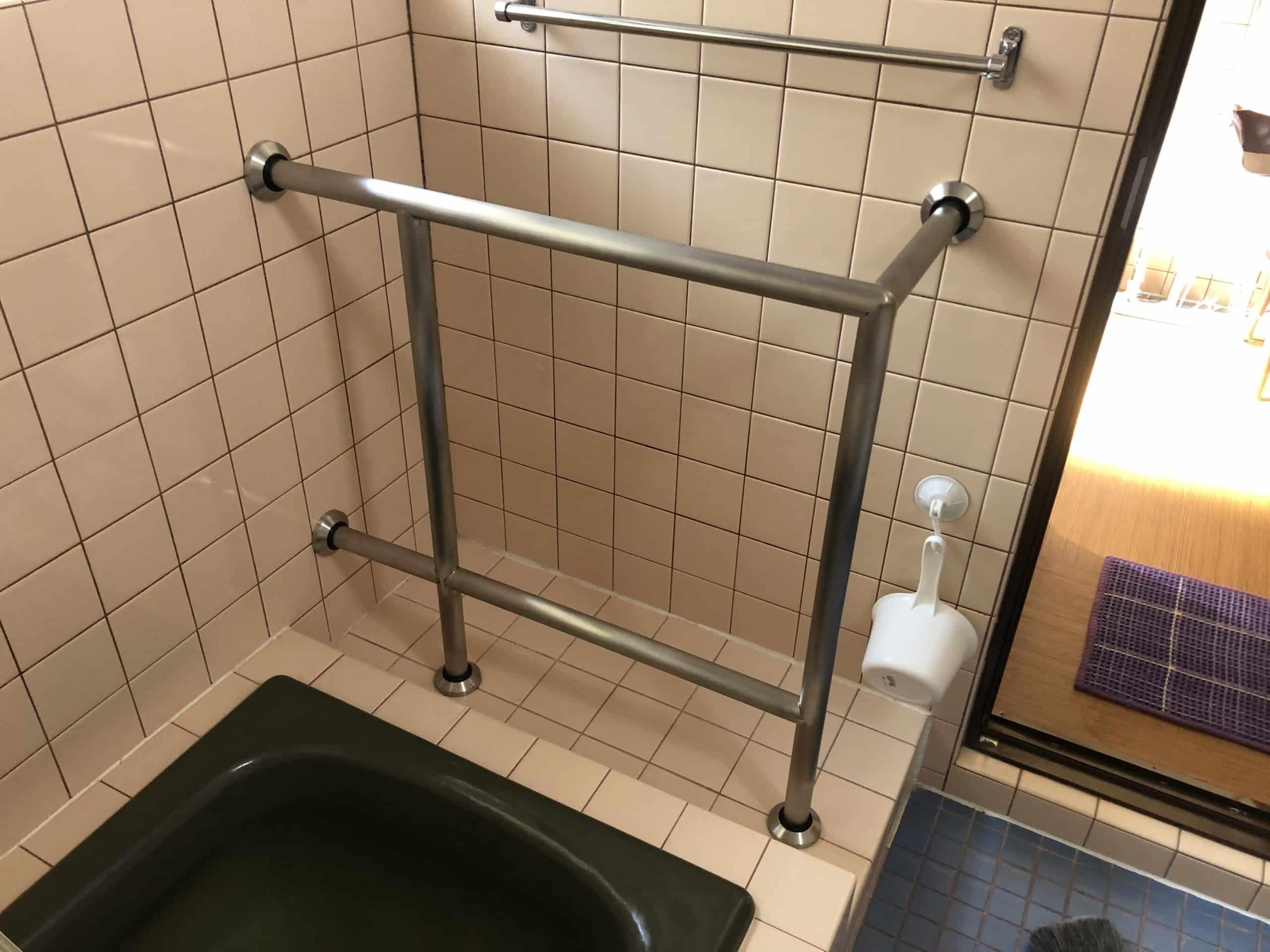 民家の浴室手すりを制作施工しました