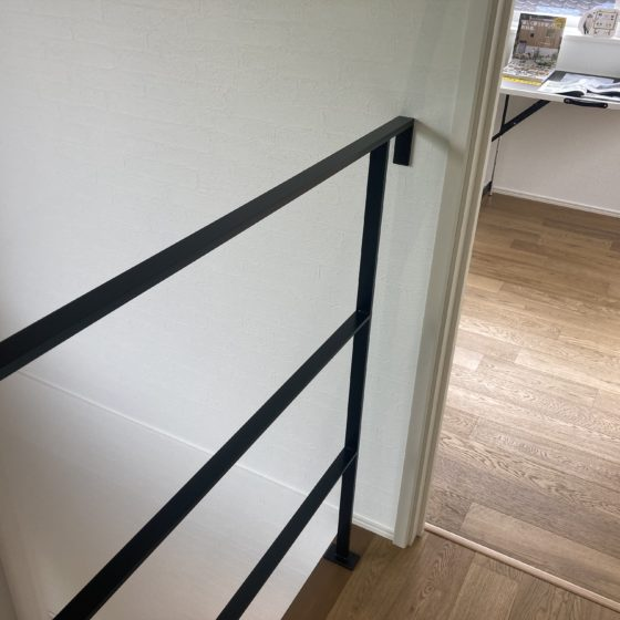 民家の階段手すりと転落防止手すりを製作しました