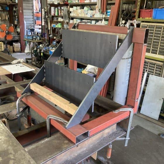 ウッドデッキ用スチール製階段を製作しました