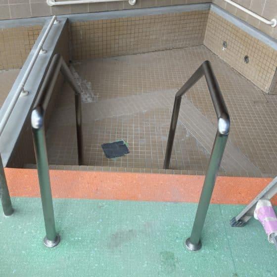 福祉施設の浴室の手すりを製作施行させていただきました