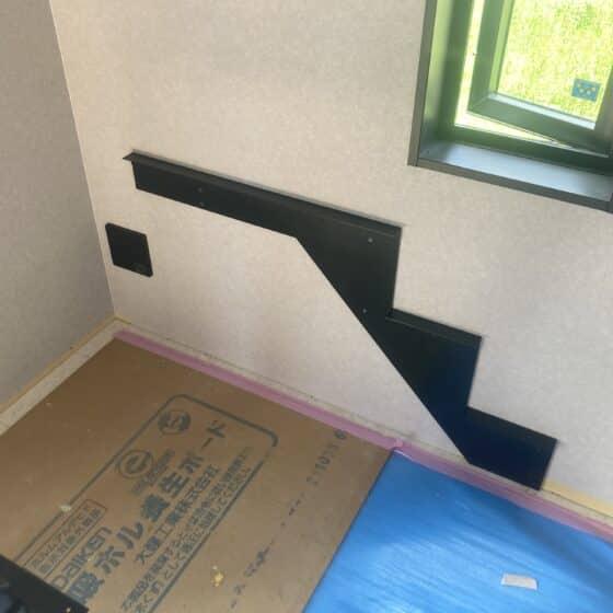 スチール製の階段手すりを製作施工しました